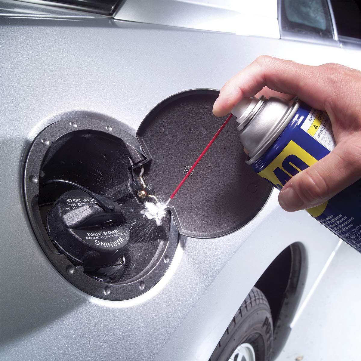 from the family handyman auto onderhoud auto schoonmaken hacks diy reinigingsproducten auto