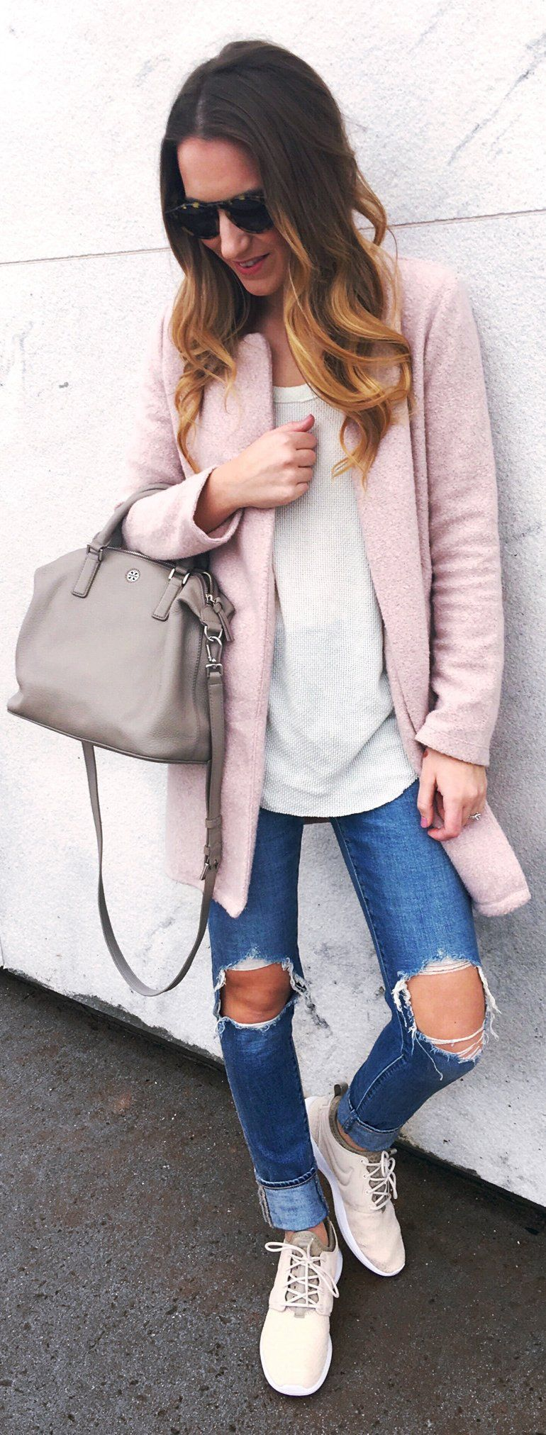 Pink Coat / Grey Leather Tote Bag / Destroyed Skinny Jeans / Cream Sneakers