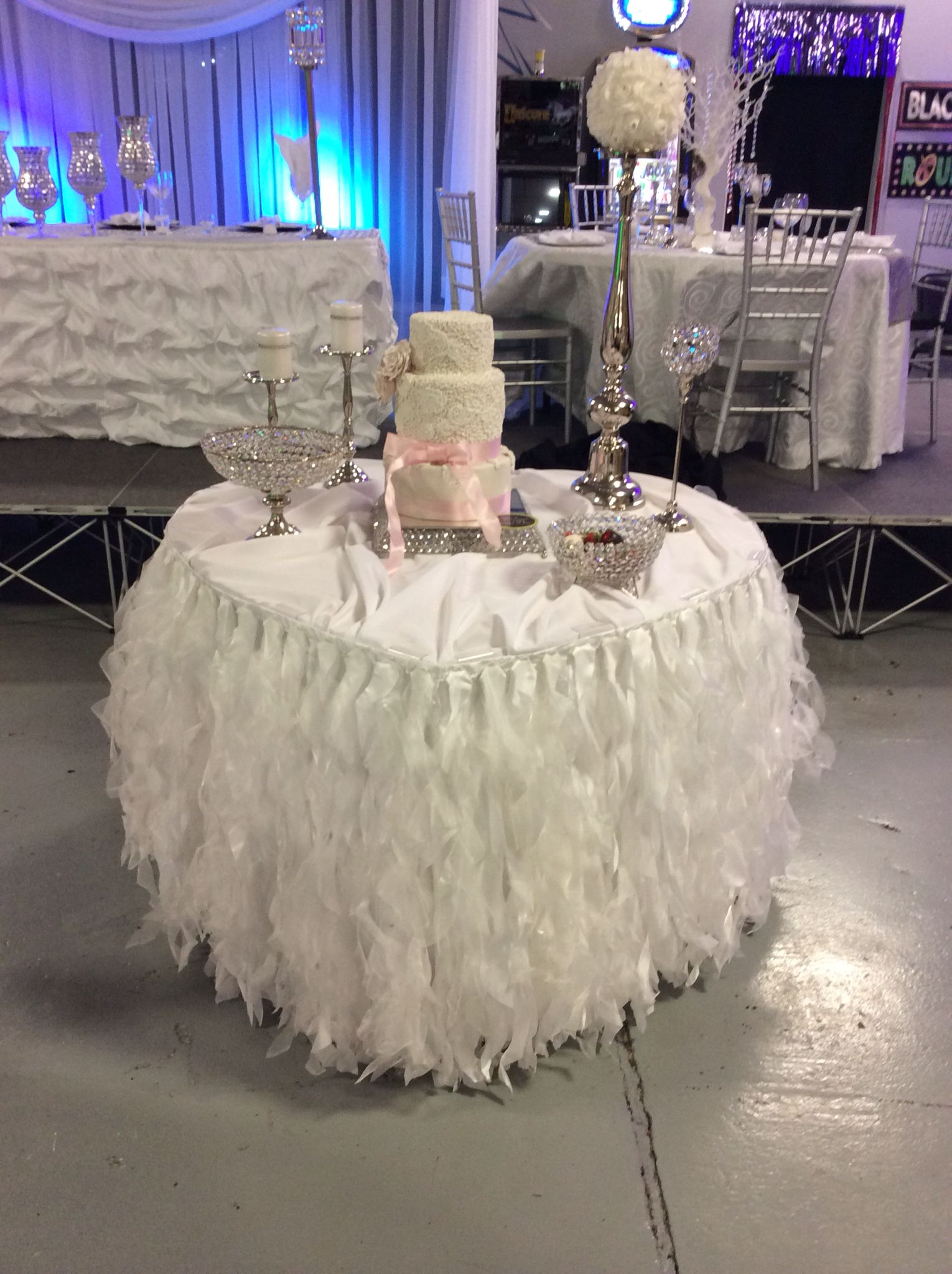 Sweetheart Table Cake Table Crystal Cake Stand Crystal Dessert Bowls Heart Shaped Table White Sweetheart L Crystal Cake Stand Wedding Rentals Crystal Cake