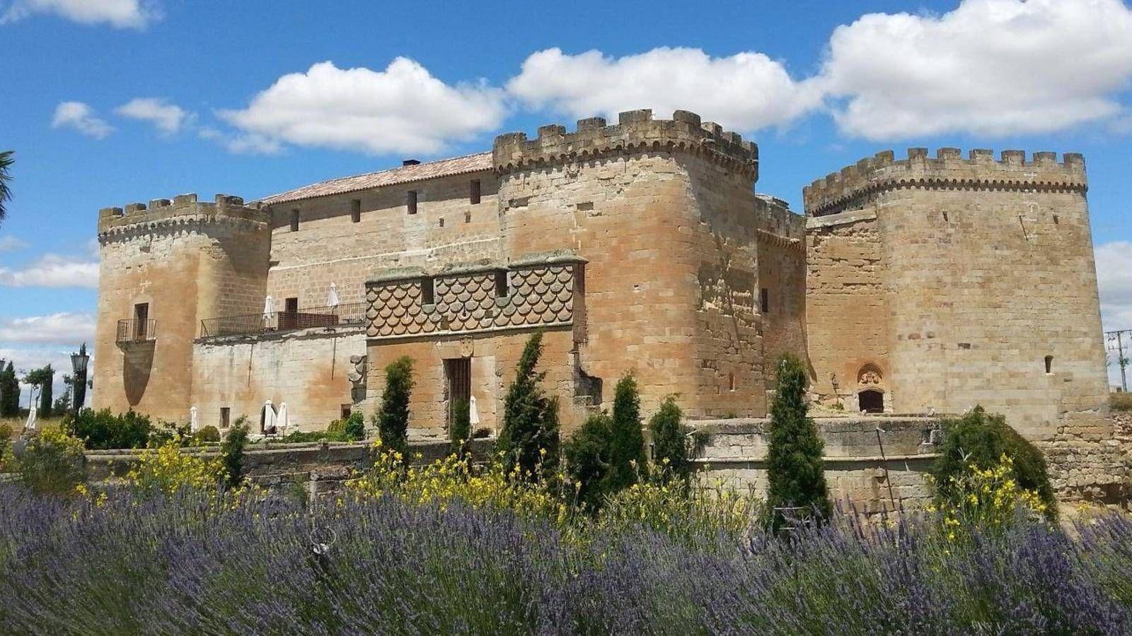 Del Castillo De Siguenza Al Palacio De Olite Ocho Lugares Donde