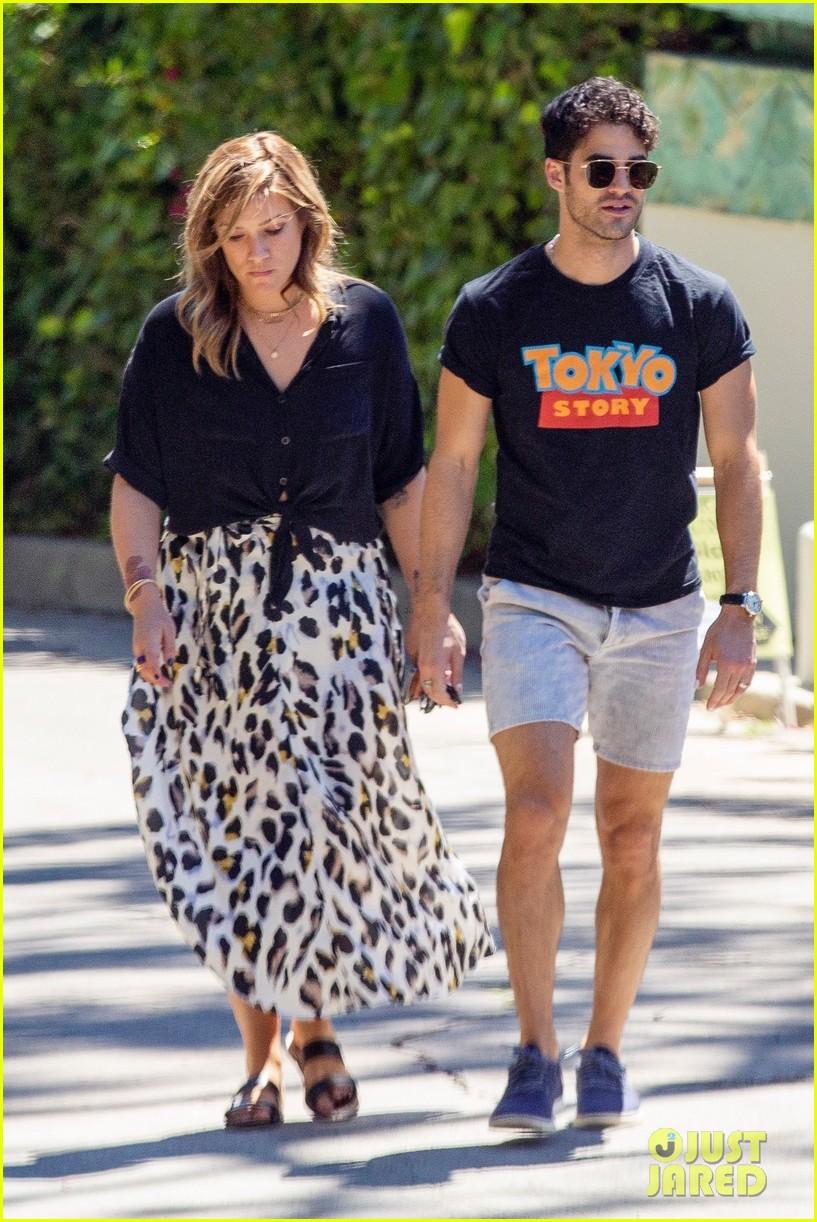 Darren Criss Wife Mia Swier Go House Hunting In La Darren Criss Criss Glee Cast