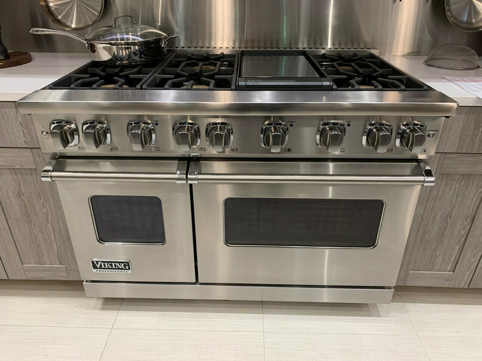 Viking Range In 2020 Kitchen Cabinets And Countertops Viking Kitchen Outdoor Living Kitchen
