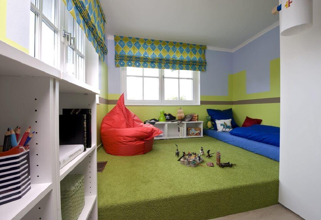 Kinderzimmer Junge mit Podest grün Ideen