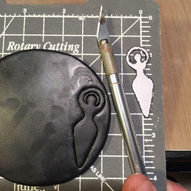Polymer Clay Goddess Tutorial https://karenascofield.wordpress.com/2015/01/26/tutorial-on-how-to-make-polymer-clay-goddess-beads/