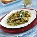Se cerchi un primo piatto originale, prova la ricetta delle mezzelune con zucca e noci al papavero. Sale&Pepe ti spiega come prepararla.