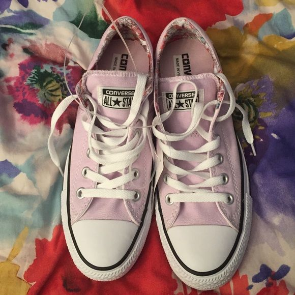 35d2b2f995ac Women s Converse All Star Madison Low Tops Women s light purple Converse  All Star Madison Low Tops. Has a floral printed lining with a padded tongue.