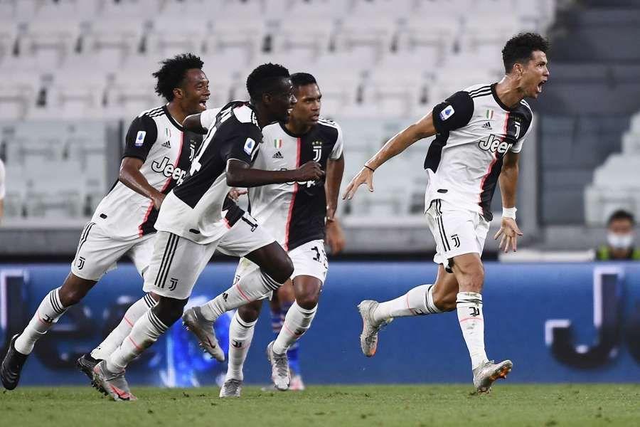 La Juventus batte 2-0 la Sampdoria ed è campione d'Italia: TORINO - La Juventus vince lo scudetto con due giornate di anticipo. Dopo il…