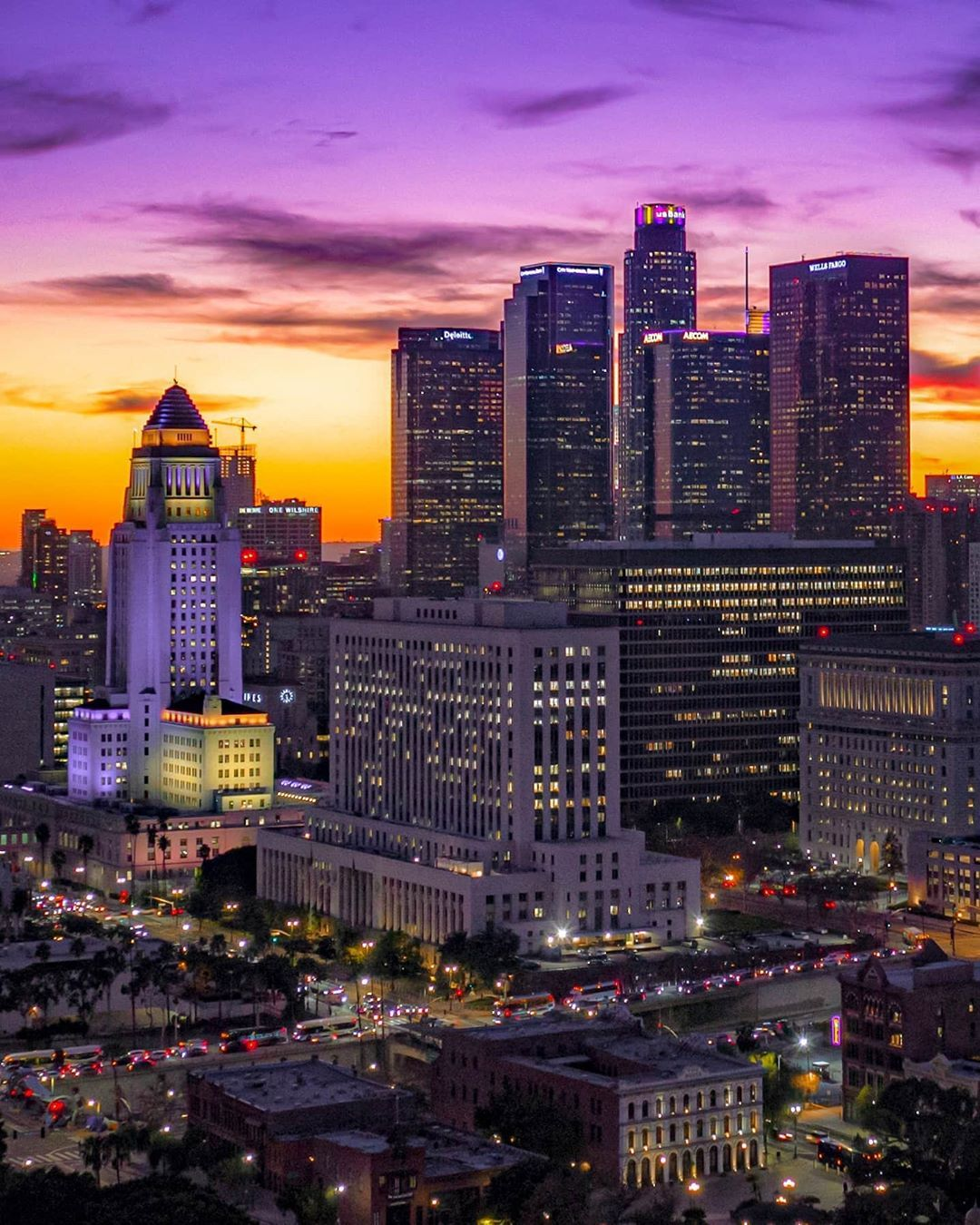 Jerome G Favre On Instagram The Heavens Over Los Angeles Wear Purple And Gold Yesterday S Sunset In 2020 Los Angeles Sunset Los Angeles California