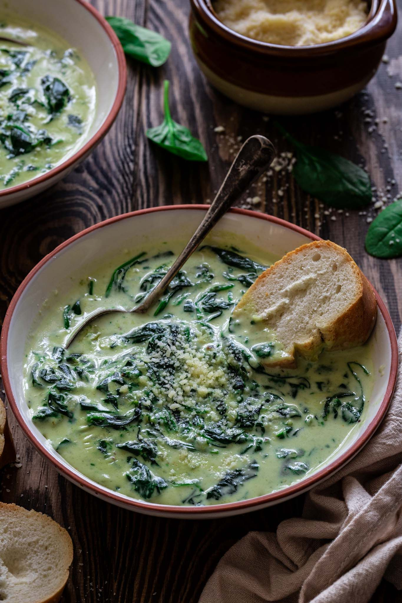 Cream of Spinach Soup | www.oliviascuisine.com | There's no better way to warm up than with a bowl of this Cream of Spinach Soup! Creamy, rich and so easy to make. Dinner will be ready in less than 20 minutes! (Recipe and food photography by @oliviascuisine). #soup #healthyrecipes #vegetarian #meatless #comfortfood #spinachsoup