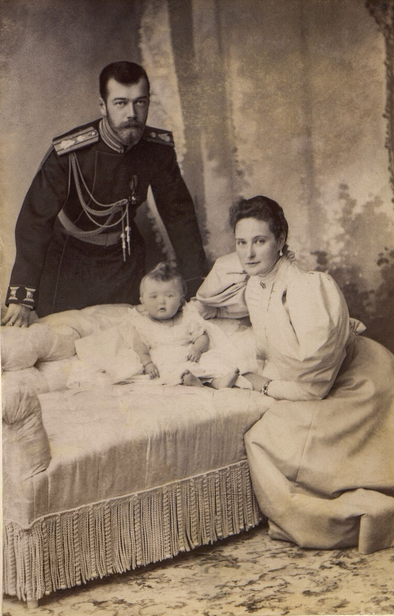 Emperor Nicholas Ii And Empress Alexandra Feodorovna With Dauther