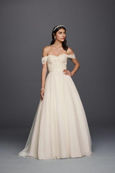 50 Gorgeous Wedding Dresses You Won T Believe Cost Less Than 1 000 Davids Bridal Wedding Dresses Lace Sweetheart Wedding Dress Sweetheart Wedding Dress