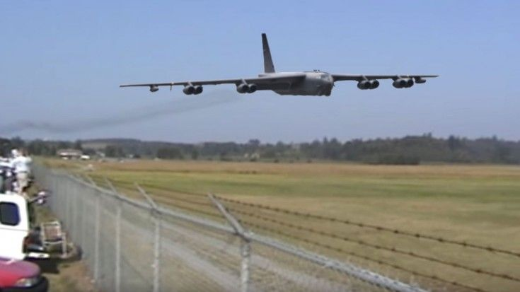 the world of the name of the machine series B-52H Stratofortress