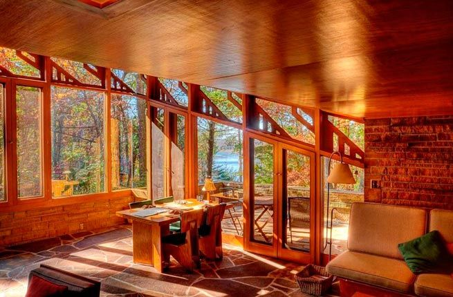 8 Frank Lloyd Wright Designed Homes You Can Sleep In Cabins
