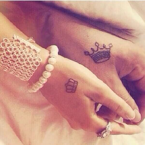 bfffb0a86326e Classic Queen And King Tattoo On Couple Hand | tattoos | Tattoos ...