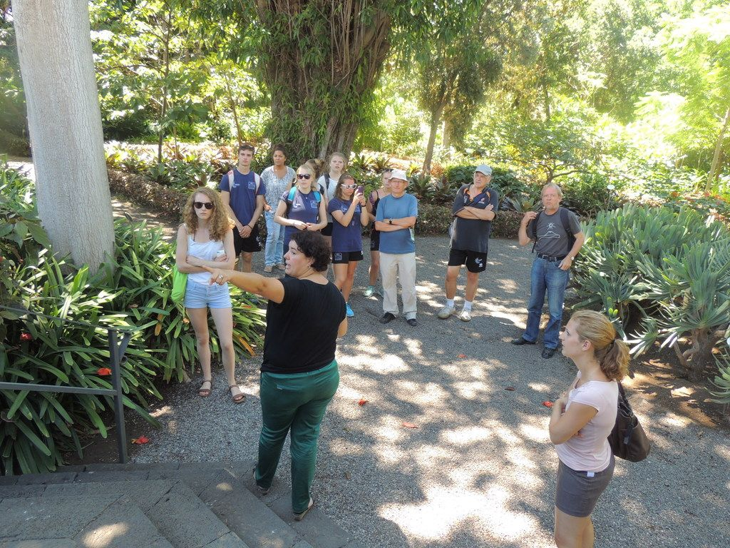 Every week we visit the Botanical Garden with one of our teachers!!! Free leisure activity in the afternoon!