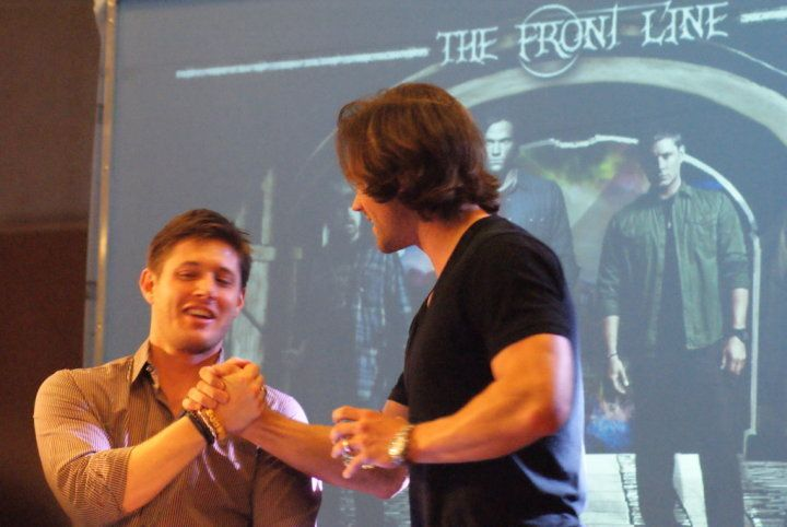 Jus in Bello Con - Jared Padalecki and Jensen Ackles
