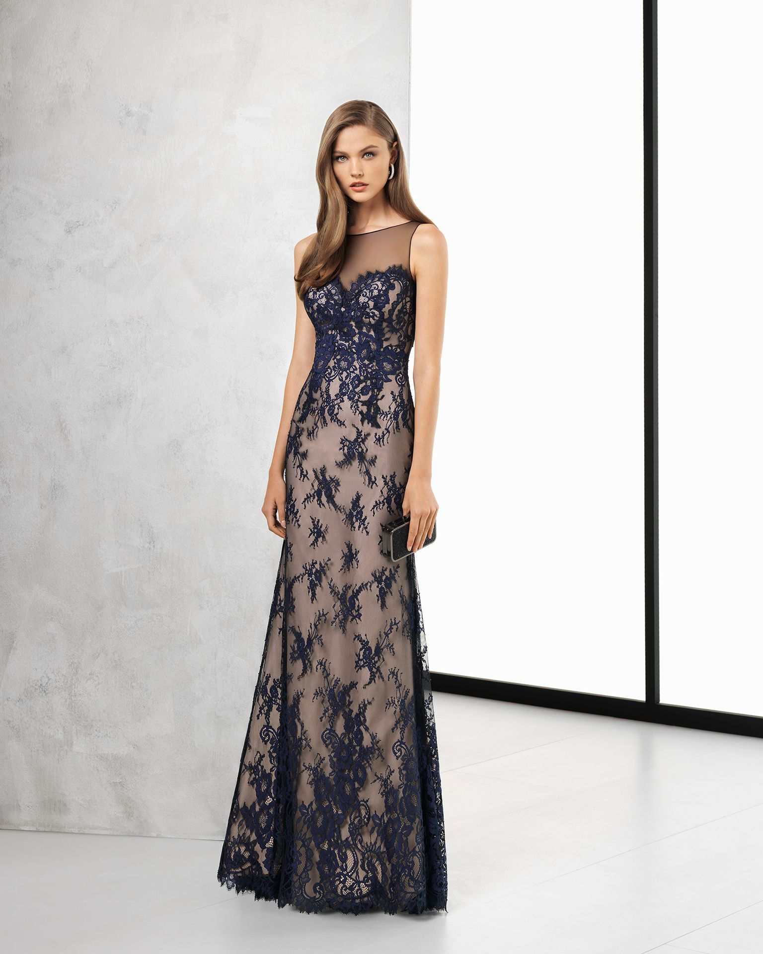 Long lace cocktail dress with sheer-effect three-quarter sleeves f8e9b41af48e