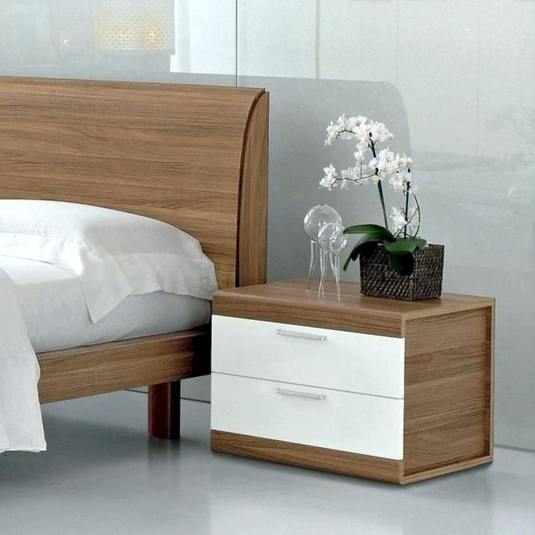 7 Easy Way To Arrange A Bedroom To Always Be Neat And Comfortable Teracee Side Tables Bedroom Bedroom Table Modern Bedside Table