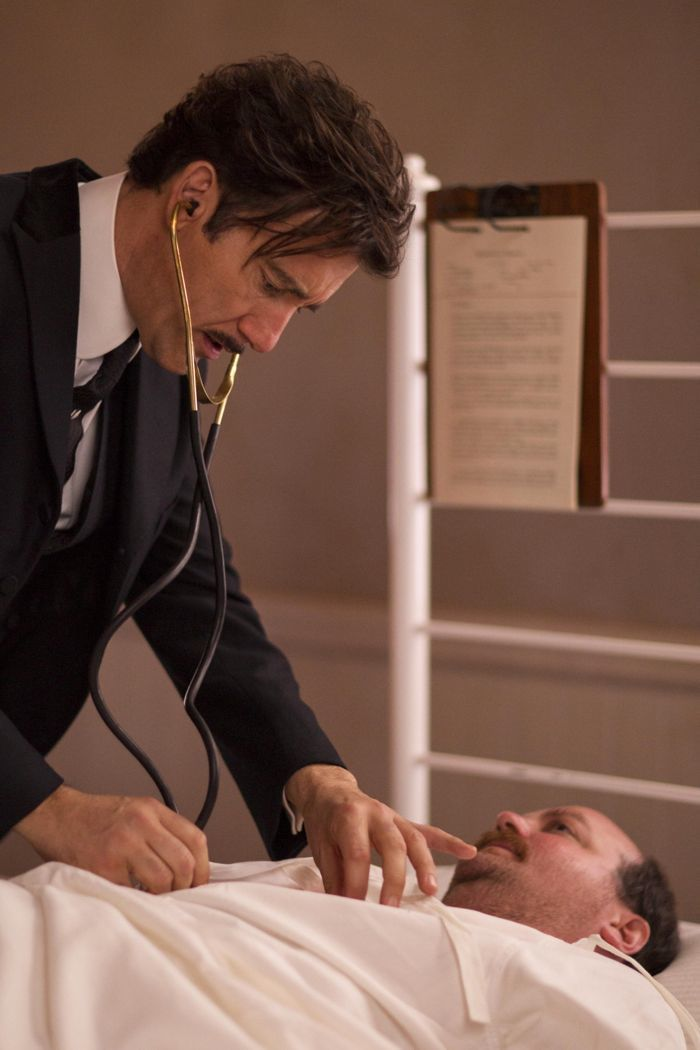 The Knick Season 1 Episode 2 Photos Mr Paris Shoes The Knick Clive Owen Tv Series To Watch