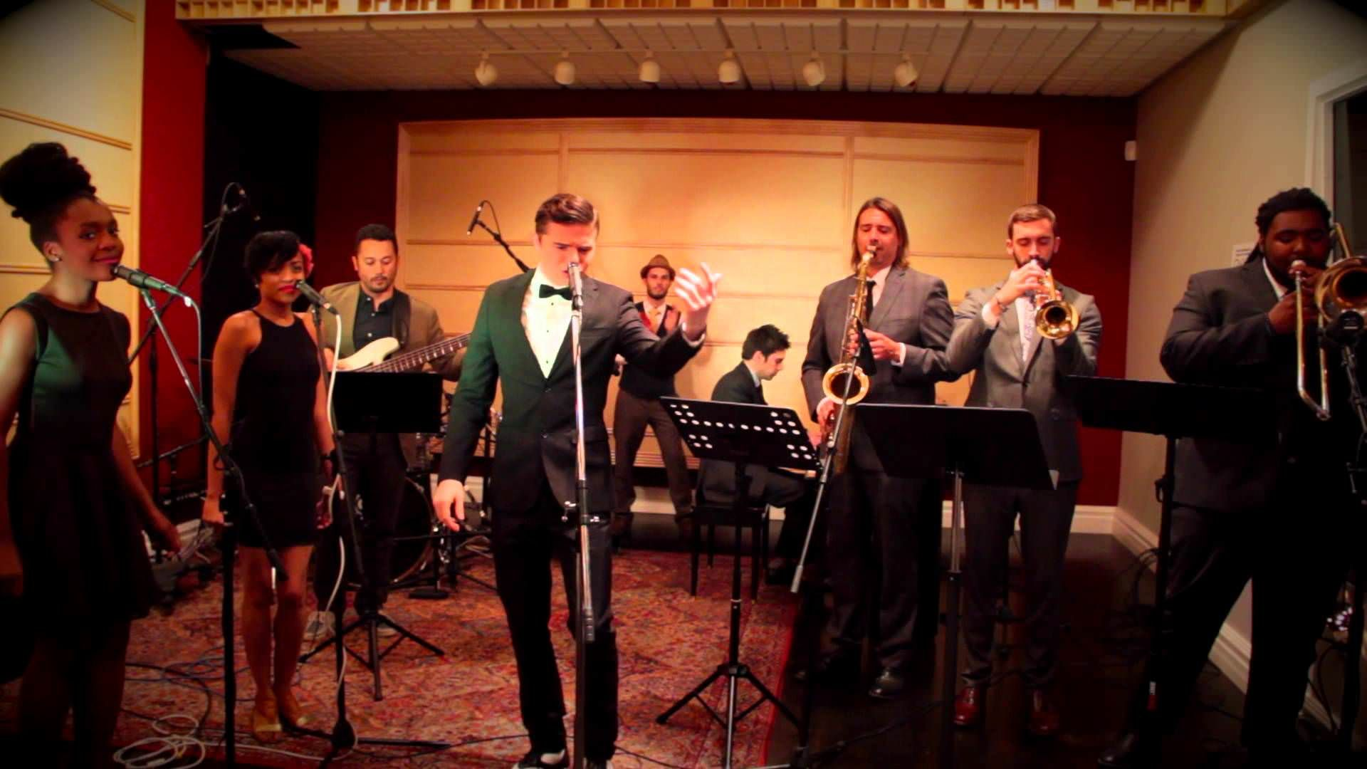Postmodern Jukebox Performs Vintage Motown Cover Of Taylor Swift S Shake It Off Video Motown Taylor Swift Songs Shake It Off