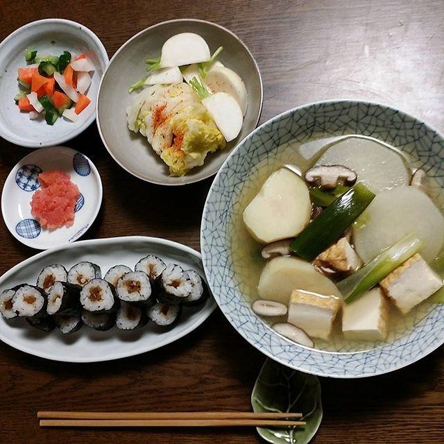 naocasa今日の夕食 大根とじゃがいもと鶏肉の薄味煮は食べたくて作りました。 毎日煮物食べております。 #おうちごはん #夕食 #あっさり