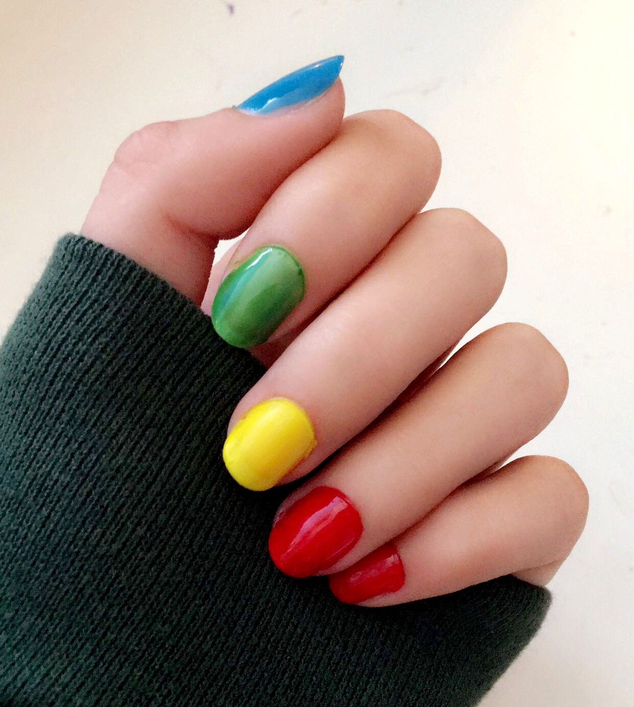 primary colors aesthetic nails