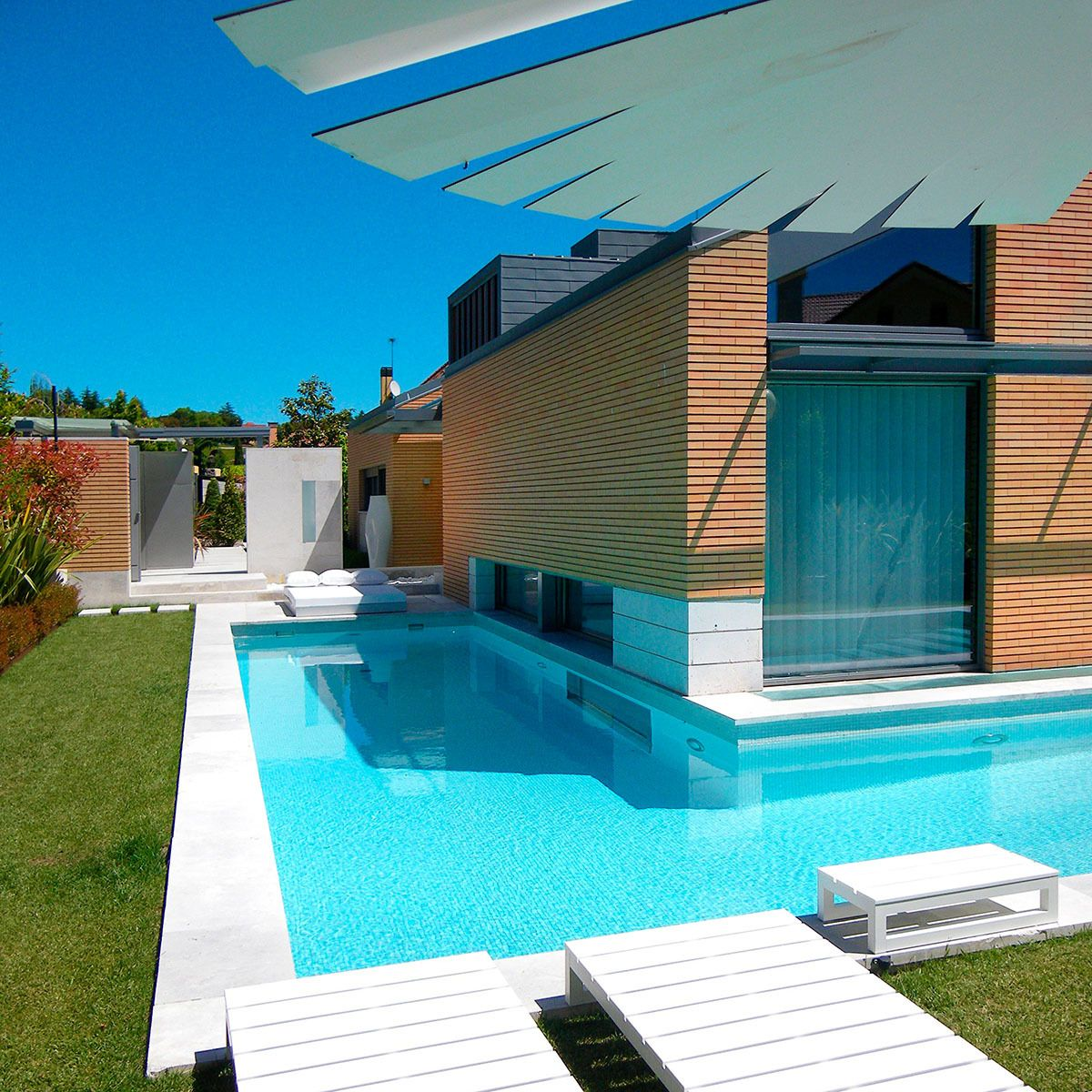 Marvelous Bioclimatic House. El Encinar. Madrid. | SHIFTVIEW Architecture | Archinect
