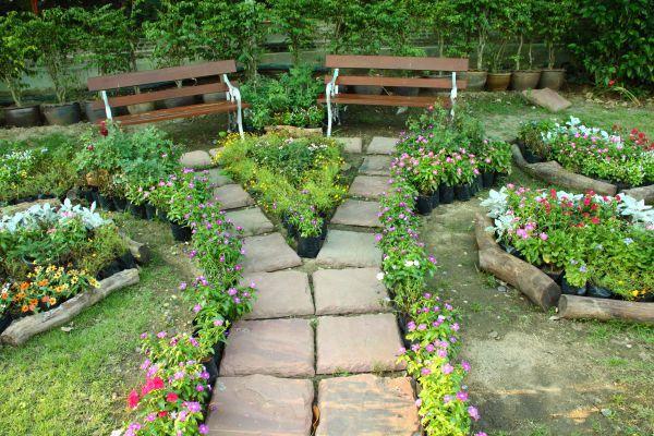 Jak kombinovat materiály v zahradě?