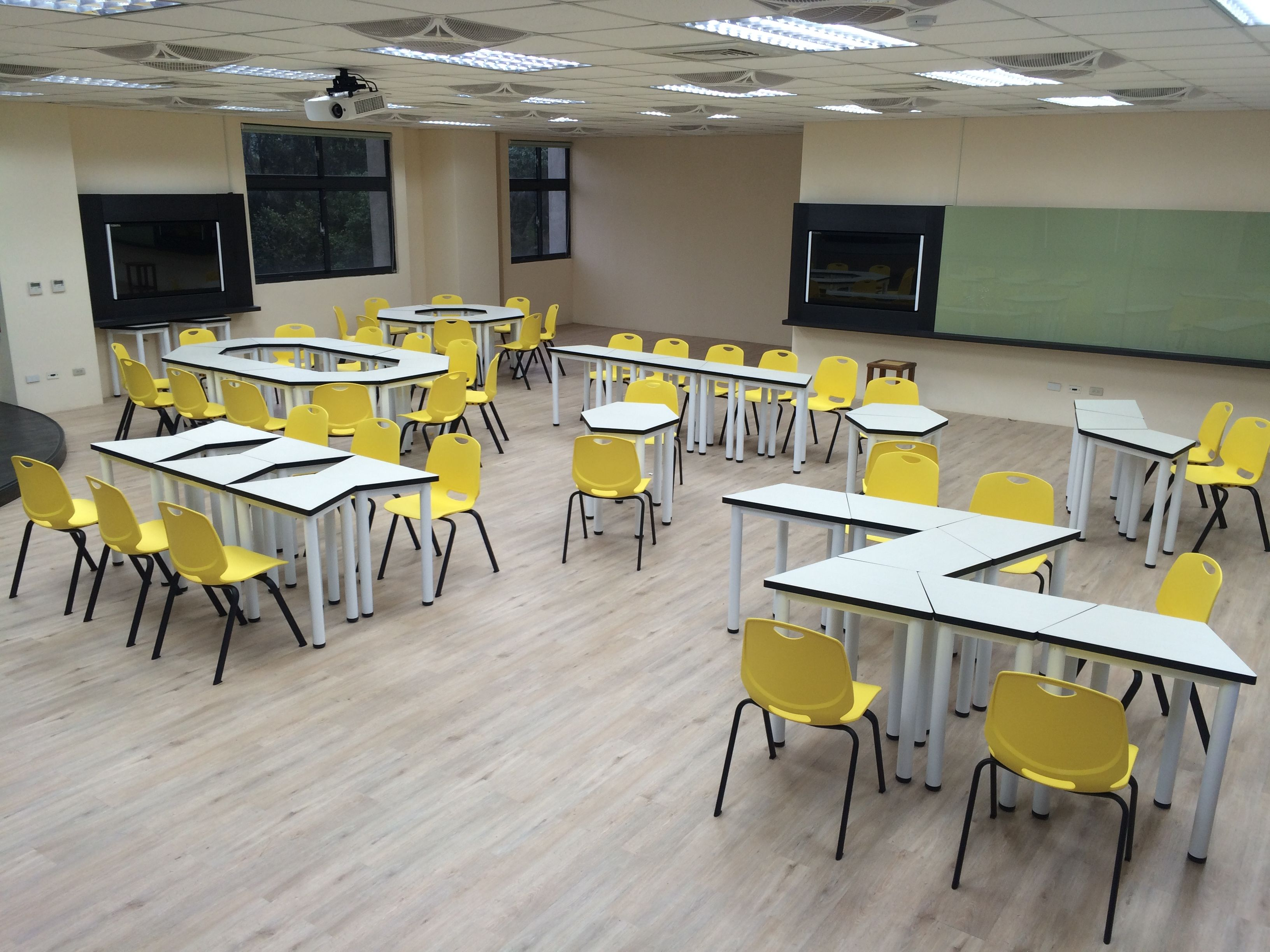 Classroom Furniture Layout ~ Pin by 鎮穎 徐 on trapezoid student tables modular seminar