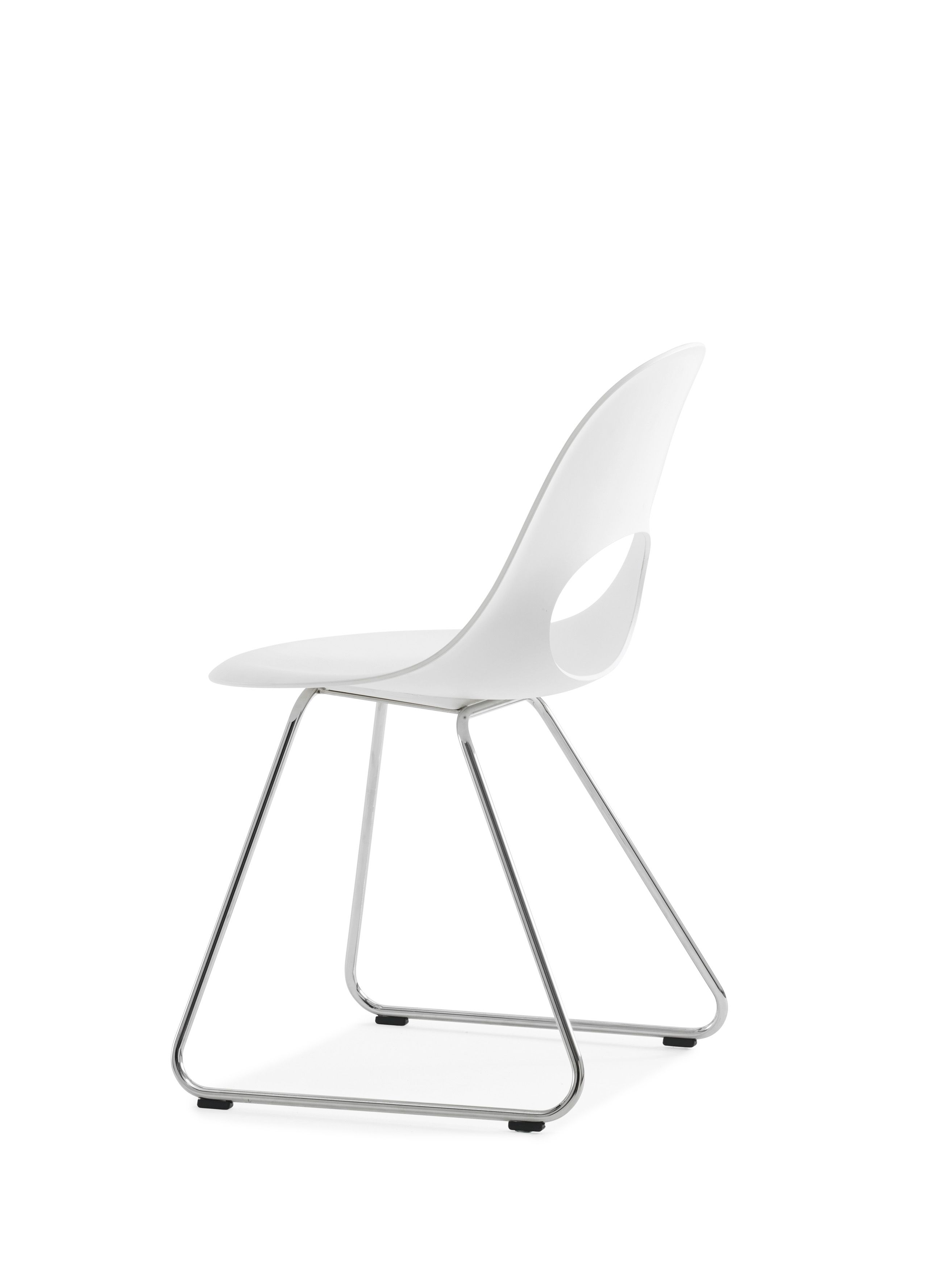 This SayO MiniLux Chair full painted white with metal legs. Find out more at www.sayo.dk.