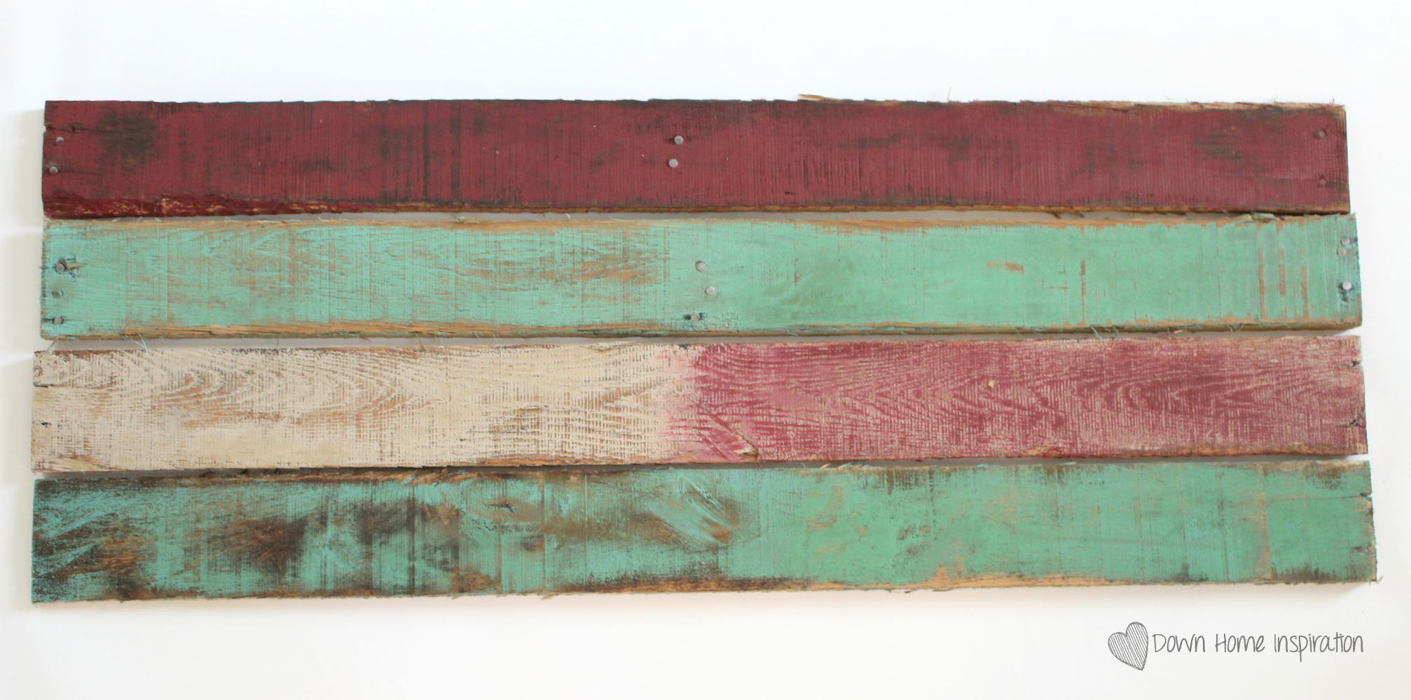 How to Achieve the Weathered Paint Look is part of Weathered paint, Painted boards, Distressed wood diy, Painting, Distressed painting, Wood pallet projects - Achieving the weathered paint look is much easier than you might expect and you won't even need to leave your boards outside for years to do it!