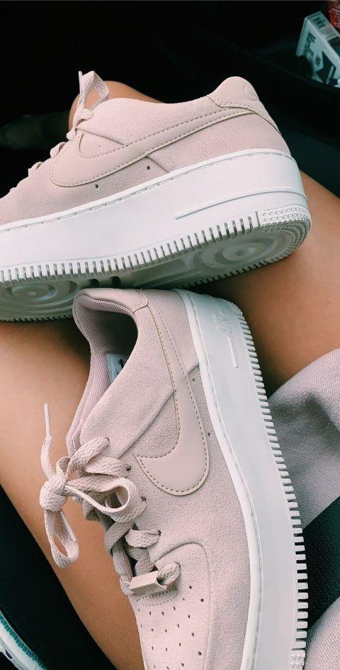 28 bequeme Schuhe, die dich cool aussehen lassen #nikeairforce #nike #airforce #nikeair #highsandals