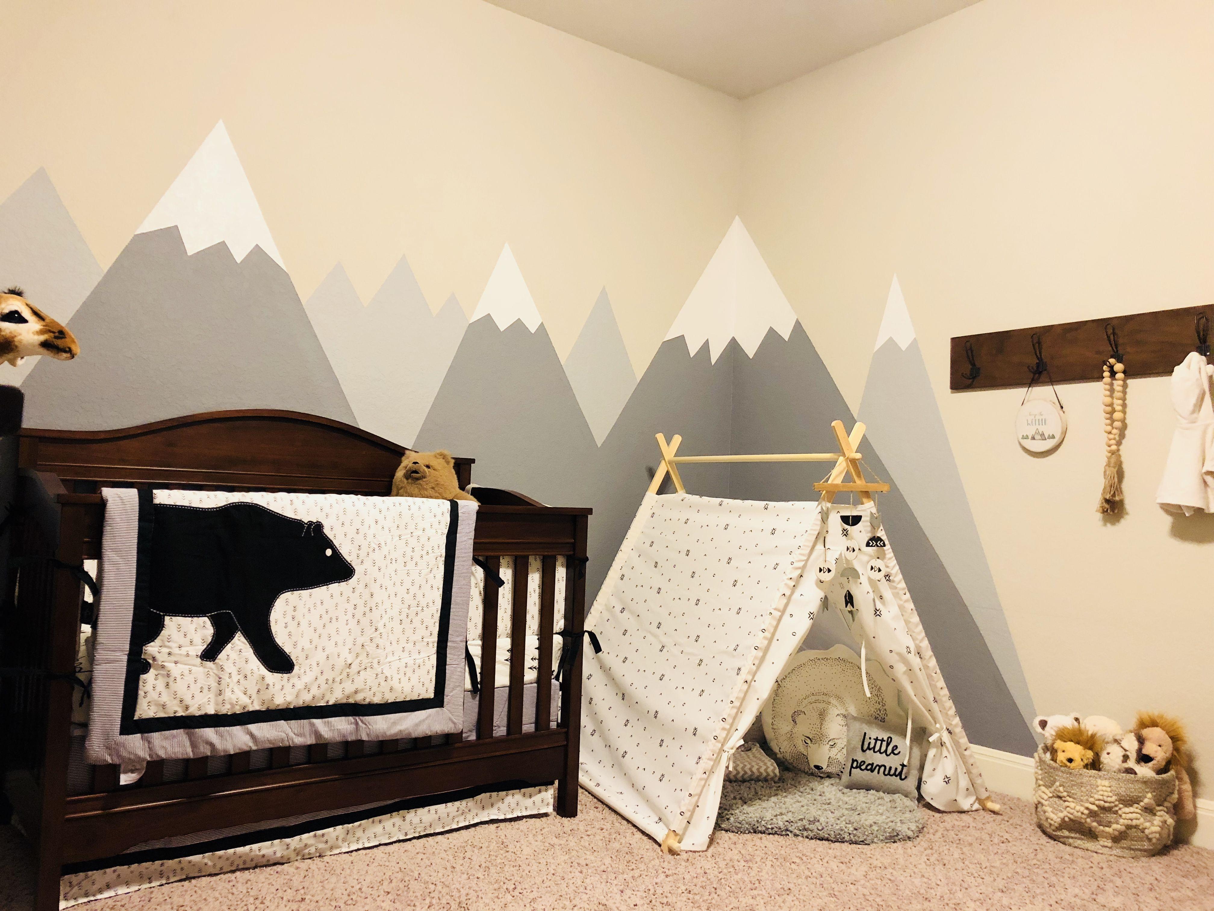 Mountain nursery  Idee deco chambre enfant, Idée déco chambre