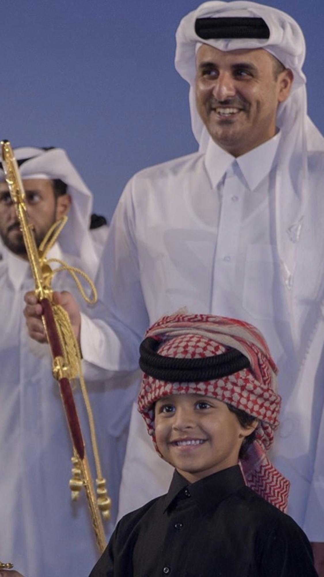 Qatar الامير الشيخ تميم بن حمد ال ثاني و ابنه الشيخ جاسم بن