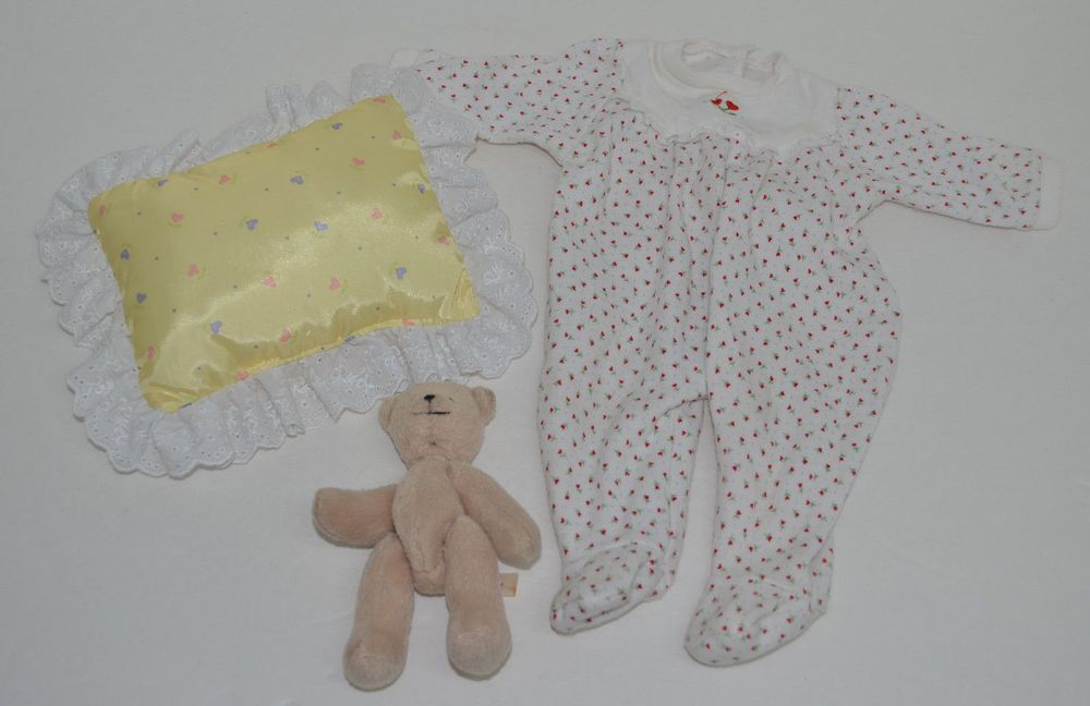 American Girl Bitty Baby Red Heart Sleeper Pillow & Bitty Bear Lot 3 #Accessories http://stores.ebay.com/Lost-Loves-Toy-Chest/_i.html?image2.x=0&image2.y=0&_nkw=american+girl
