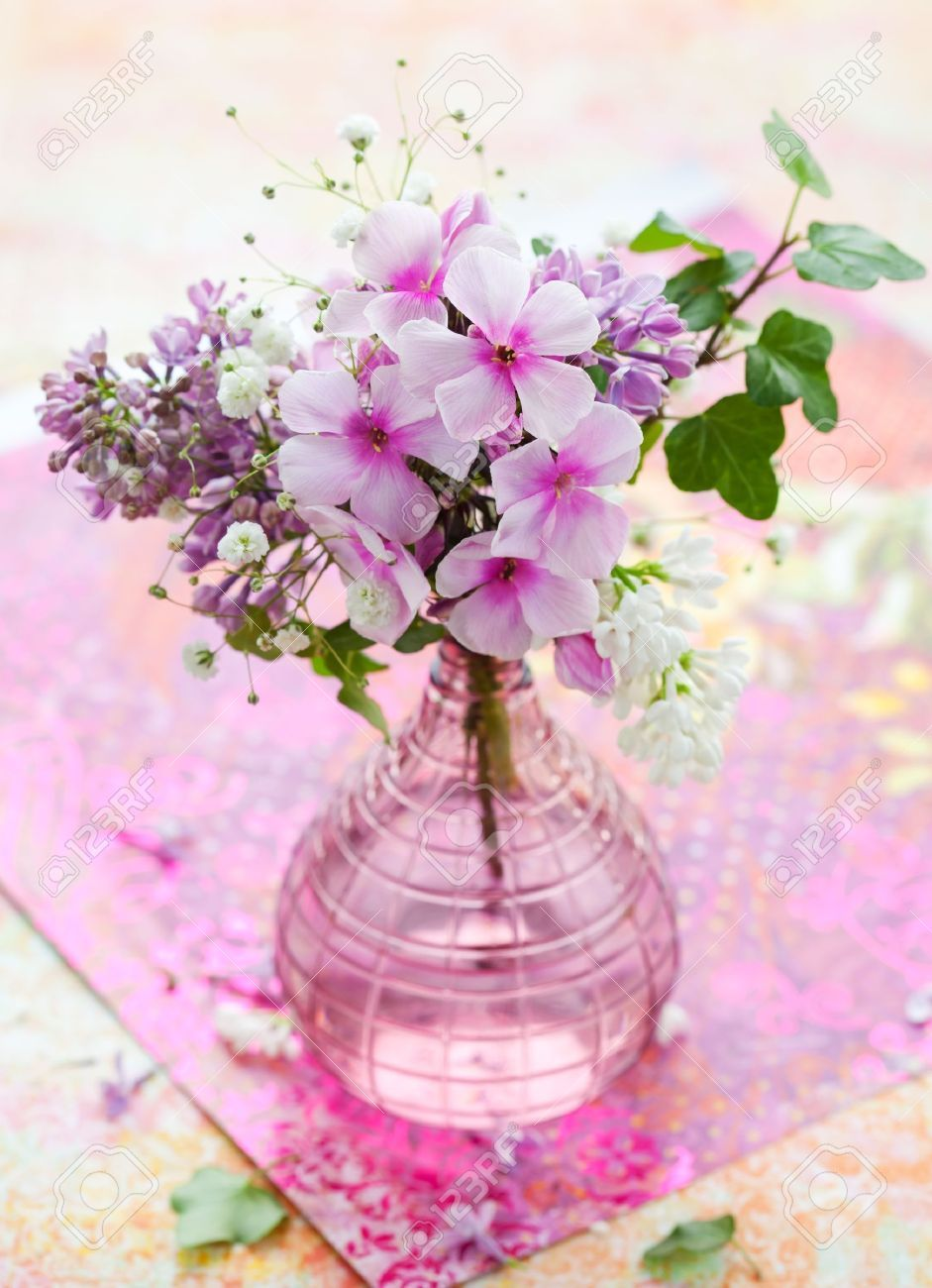 Flower vase beautiful spring flowers in a vase stock photo flower vase beautiful spring flowers in a vase stock photo reviewsmspy