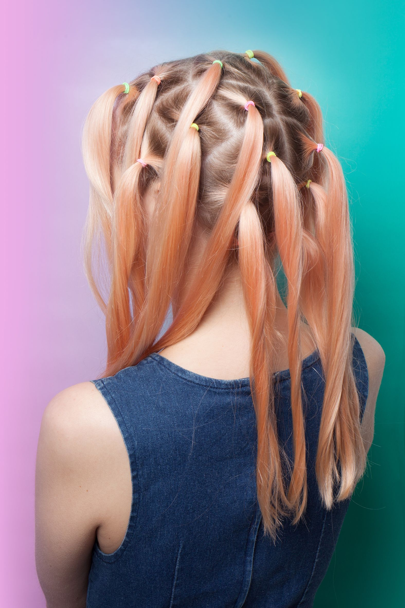 What Is Sunbun The New Hair Coloring Technique That Incorporates Top Knots And 90s Tie Dye Hair Dye Techniques Hair Color Techniques Tie Dye Hair