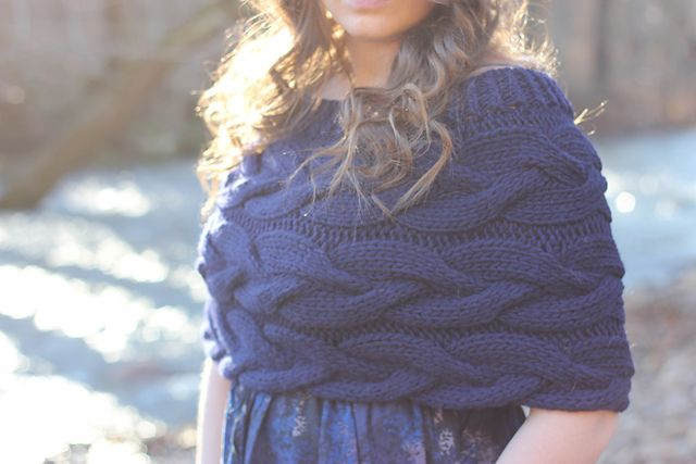 Shaw Hill pattern by Alicia Plummer | Chal, Dos agujas y Tejido