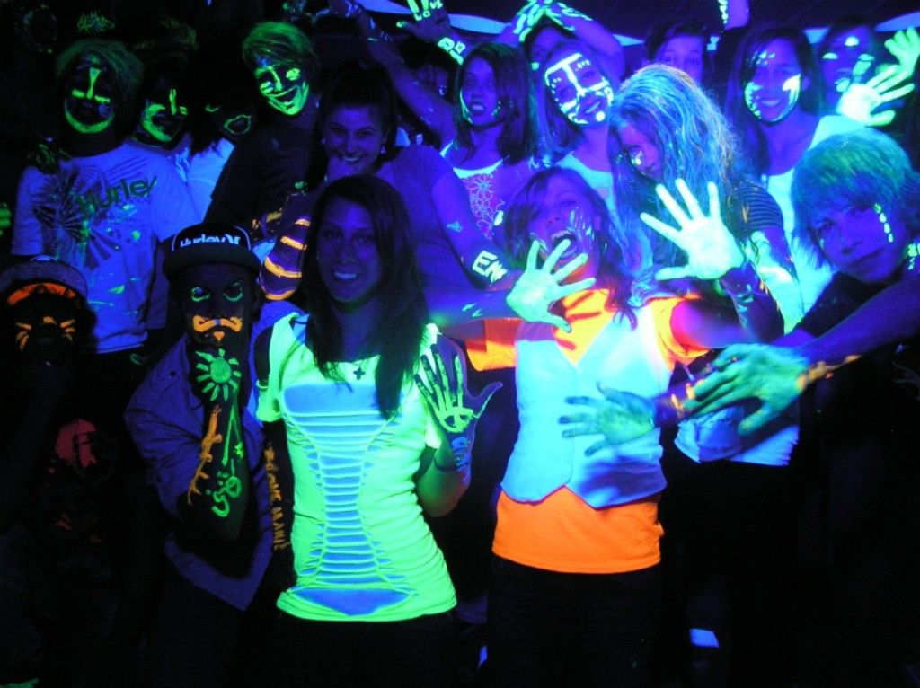 Black Light College Party Guru College Parties Blacklight