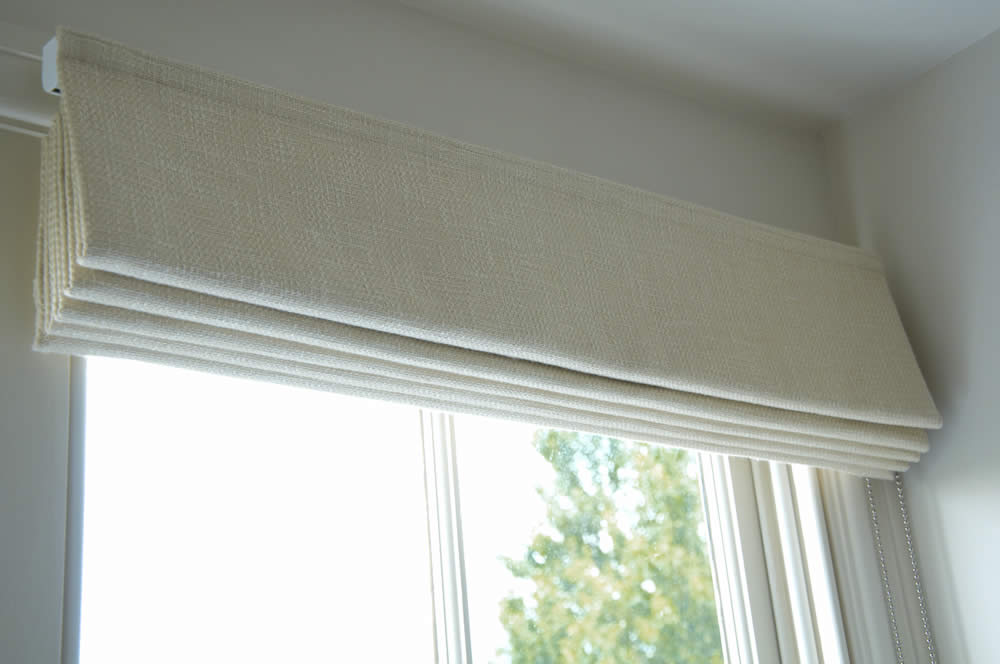 Roman Blinds Made To Measure Roman Blinds Bespoke Roman Blinds Uk In 2020 Roman Blinds Roman Blinds Bedroom Blinds