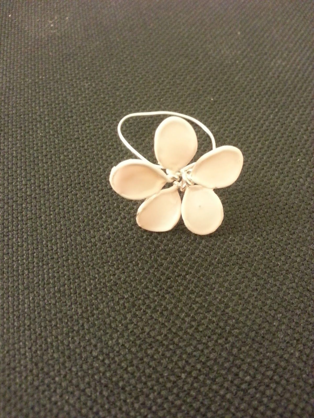 Wire Flower Nail Polish Ring Diy Crafts Pinterest Wire Flowers