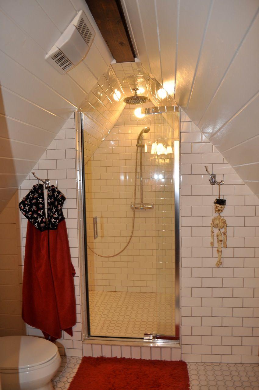 Remodelaholic 25 Inspiring Finished Attics Attic Bathroom Attic Rooms Attic Renovation
