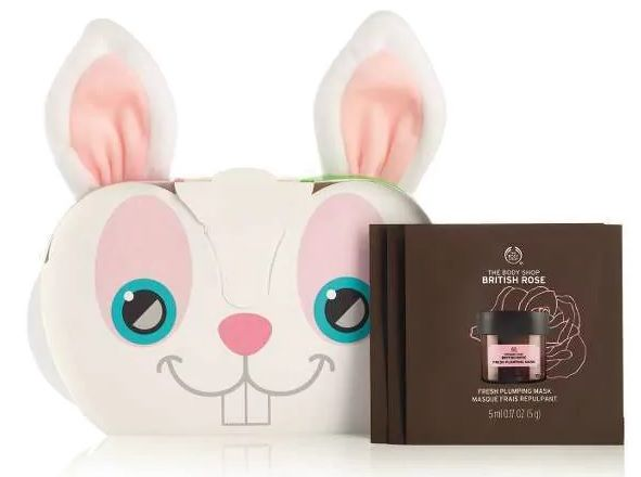Perfect for getting involved with the multi-mask trend, this beautifully packaged gift set includes 3x3 packettes to discover your new favorite mask, as well as the super-cute Bunny Headband. A great little stocking stuffer for beauty addicts. Plus, the masks are 100% vegan.