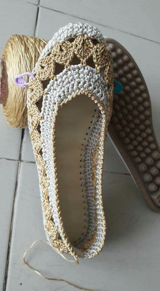 Zapatillas de crochet con suela | Pantuflas | Pinterest | Zapatillas ...
