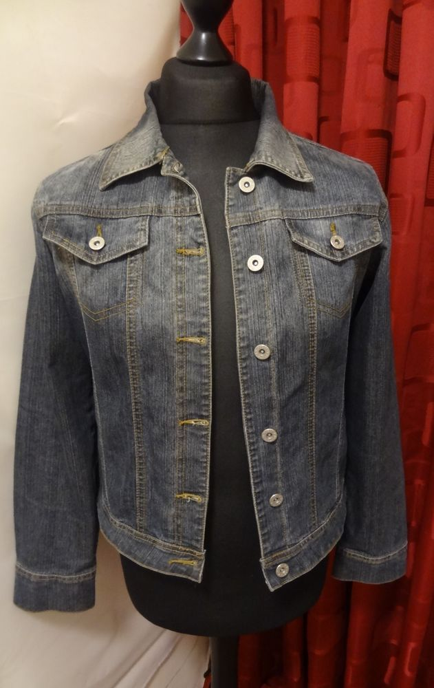 Women 039 S Bluestone Denim Jacket Size 14 Vgc With Images Denim Jacket Denim Jackets