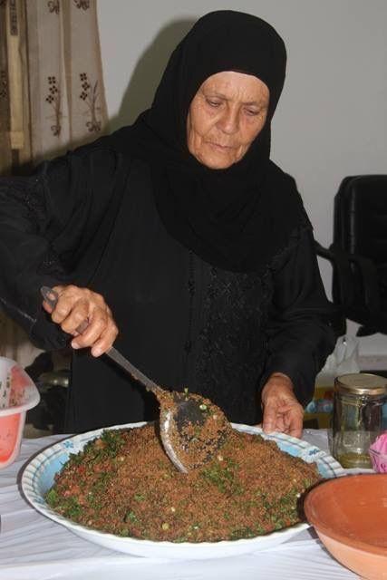خلطة الكمونة - من تصوير الأستاذ علي مزرعاني - Kammouneh old and traditional food in south Lebanon
