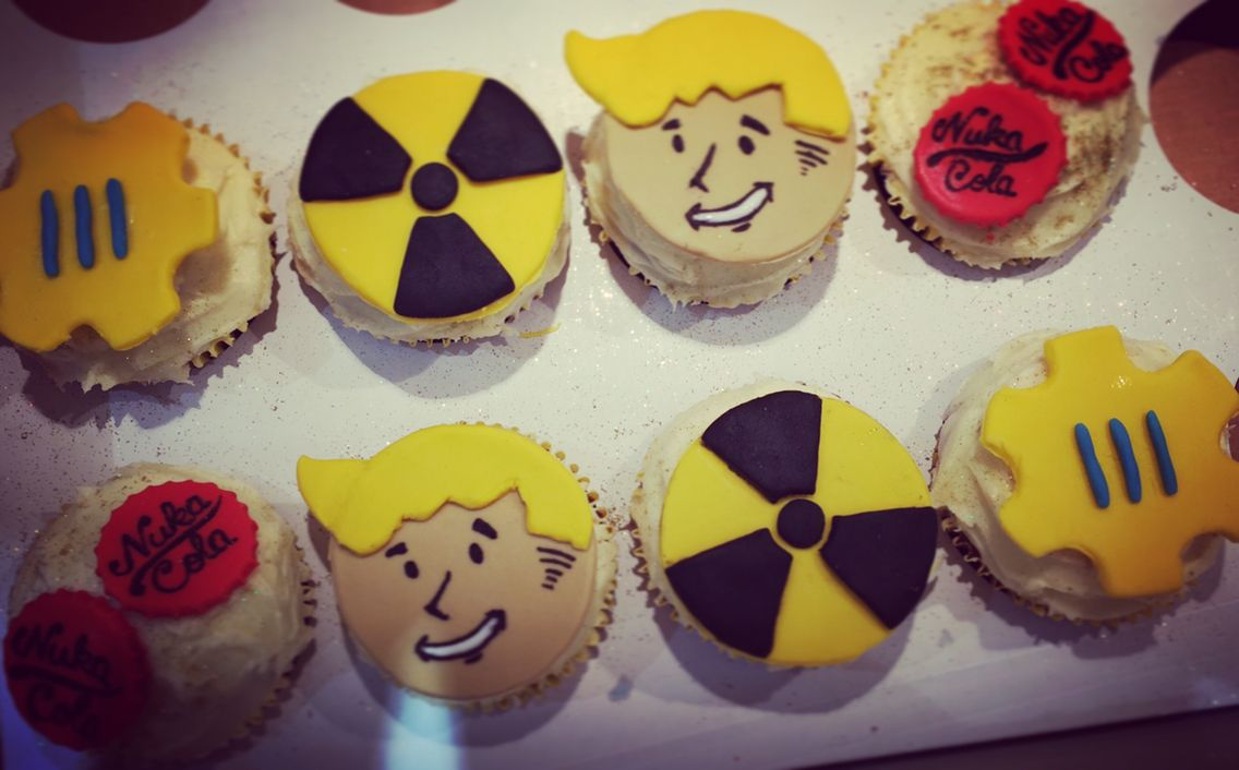 Fallout 4 Birthday Cupcakes With Images Cake Decorating