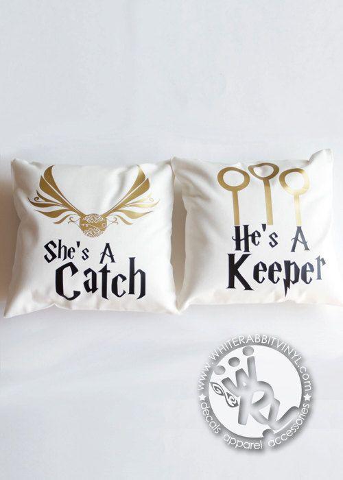 coole kissen harry potter co harry potter harry potter geschenke und harry potter hochzeit. Black Bedroom Furniture Sets. Home Design Ideas