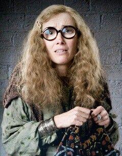 Sybill Trelawney Harry Potter Wiki Harry Potter Professors Harry Potter Teachers