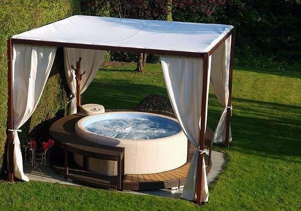 Vasche idromassaggio da giardino foto donna projects to